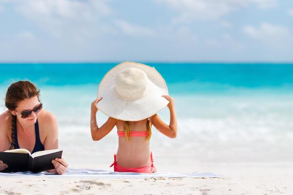 17 Best Cruise Books (Photo: By BlueOrange Studio/Shutterstock)