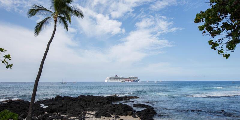 Pride of America in Kona (Photo: Cruise Critic)