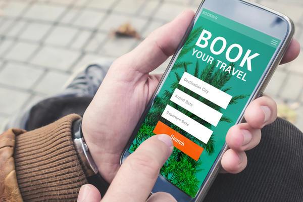8 Free Phone Travel Apps for Cruisers (Photo: Customdesigner/Shutterstock)