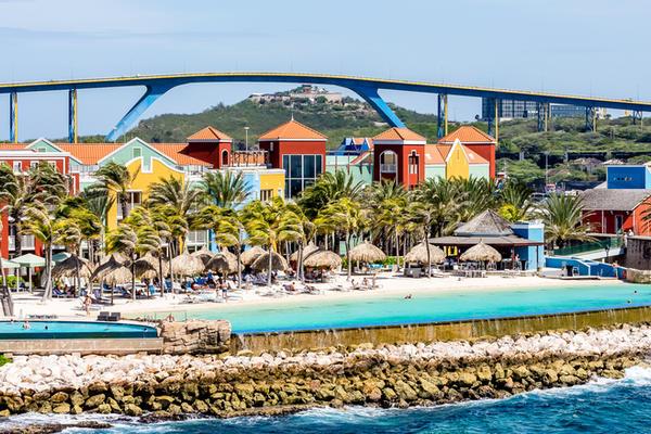 Southern Caribbean Cruise Tips (Photo: Darryl Brooks/Shutterstock)