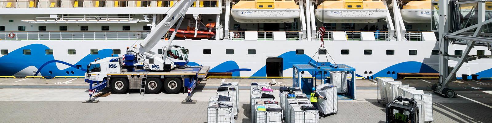 Luggage being loaded onto a cruise ship (Photo: By Bjoern Wylezich/Shutterstock)