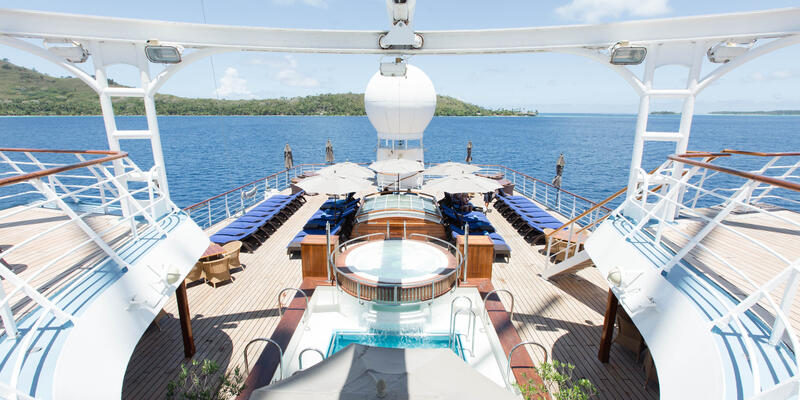 Wind Spirit Pool & Hot Tub (Photo: Cruise Critic)