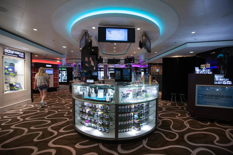 Tradewinds Tax- & Duty-Free on Norwegian Getaway