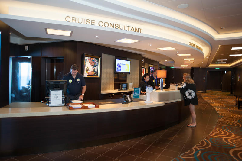Shore Excursion Desk on Norwegian Getaway