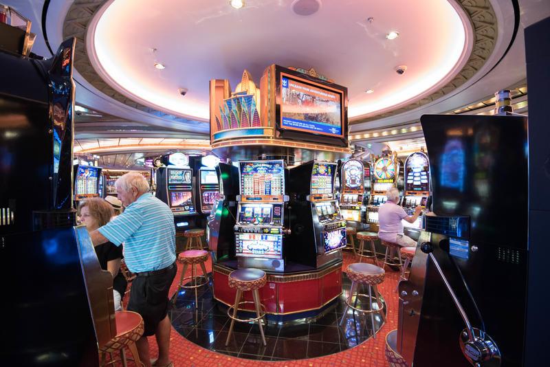 Casinos club regent mcphillips station