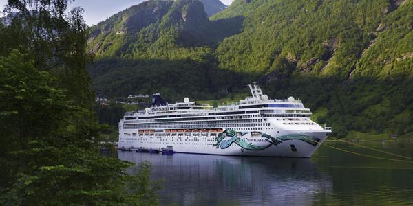 Norwegian Jade (Photo: Norwegian Cruises)