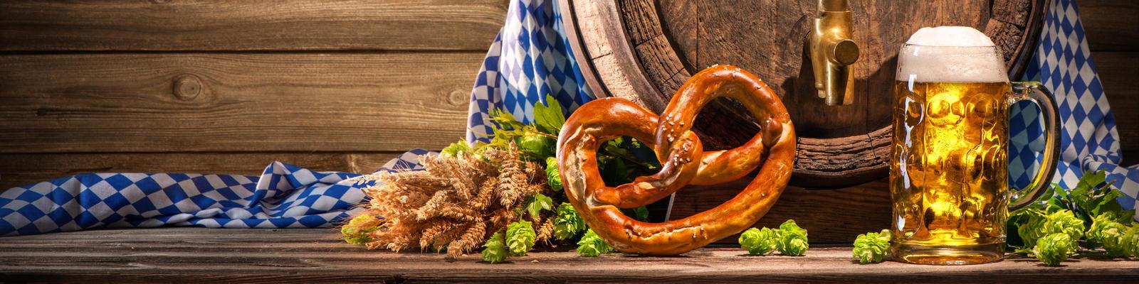 Oktoberfest River Cruise Tips (Photo: Alexander Raths/Shutterstock.com)