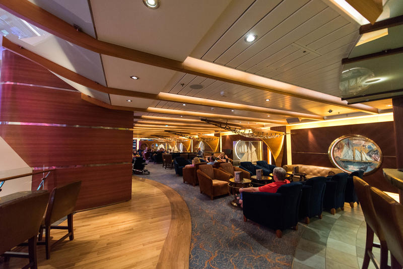 Schooner Bar on Oasis of the Seas