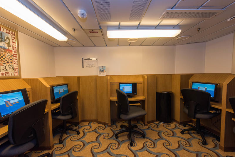 Internet Cafe on Oasis of the Seas
