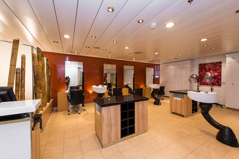 Salon on Oasis of the Seas