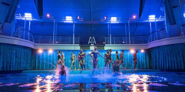 Aqua Theater on Oasis of the Seas
