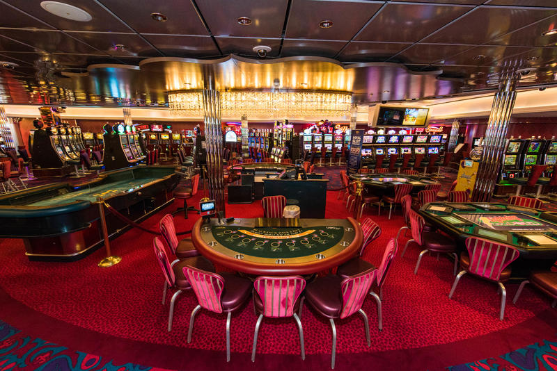 Casino Royale on Oasis of the Seas
