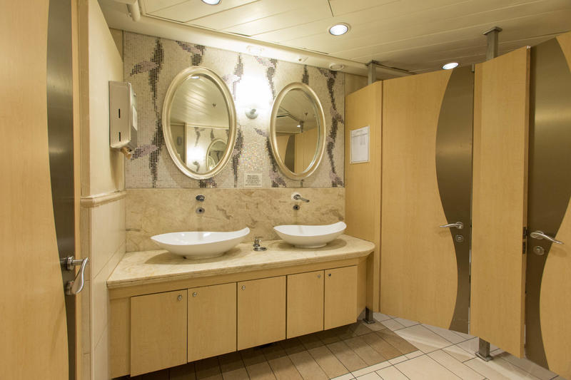 Bathrooms on Enchantment of the Seas
