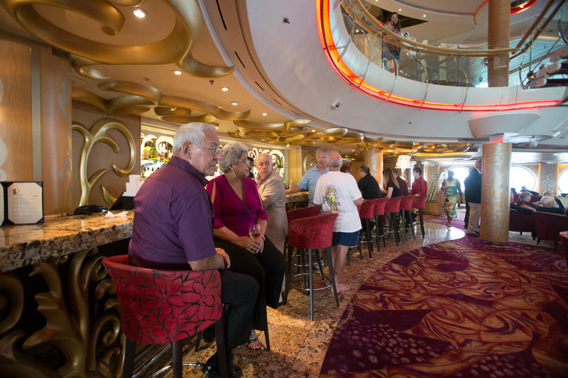 R Bar on Enchantment of the Seas