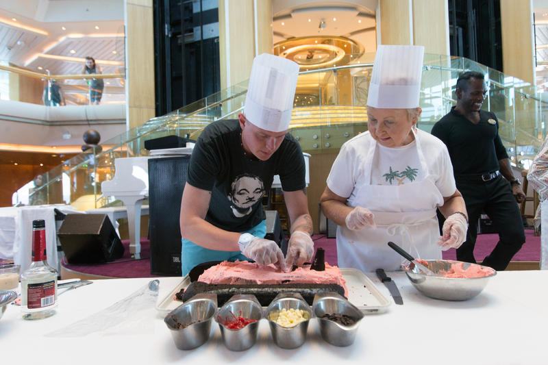 Cruise Ship Cake Decoration Challenge on Enchantment of the Seas