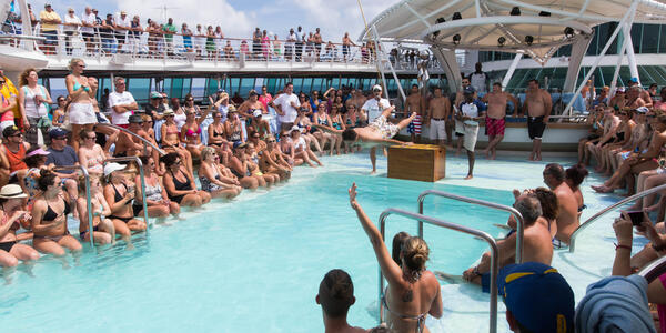 Men's Belly Flop Competition on Enchantment of the Seas (Photo: Cruise Critic)