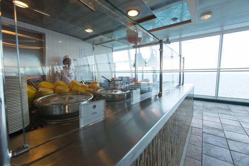 Park Cafe on Enchantment of the Seas