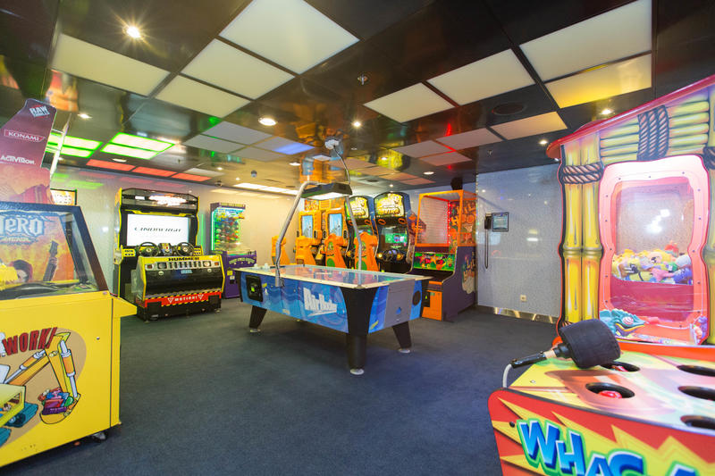 Kids Club Arcade on Allure of the Seas